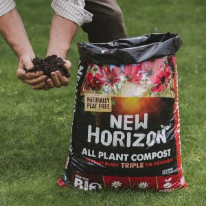 New Horizon All Plant Compost 60L in use