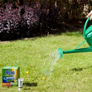 Resolva Lawn Weedkiller Extra Liquid Shots in use