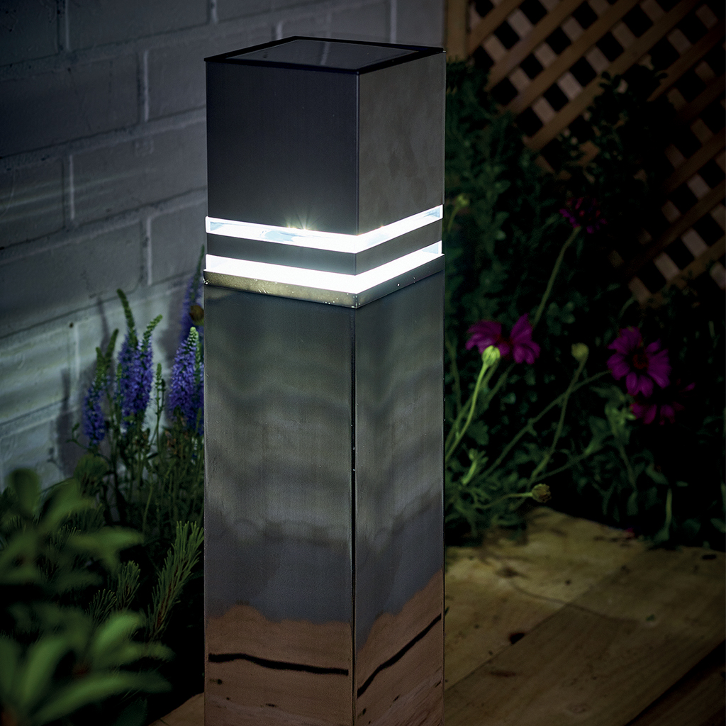 Solar Nassington Post Light