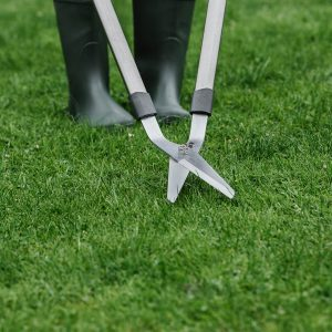 kent & stowe lawn shears in use