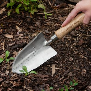 The Capability Hand Trowel planting